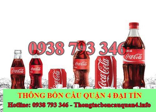 Thông bồn cầu bằng coca cola kết hợp đá lạnh